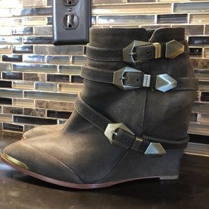Vince Camuto Kannon belted wedge boots